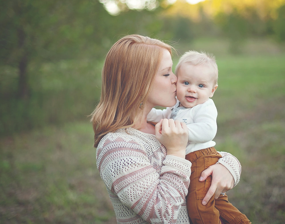 mom and baby photos greensboro family photographer .jpg
