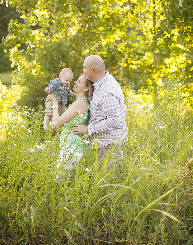 melissa treen photography north carolina fields of summer family photo session 3 .jpg