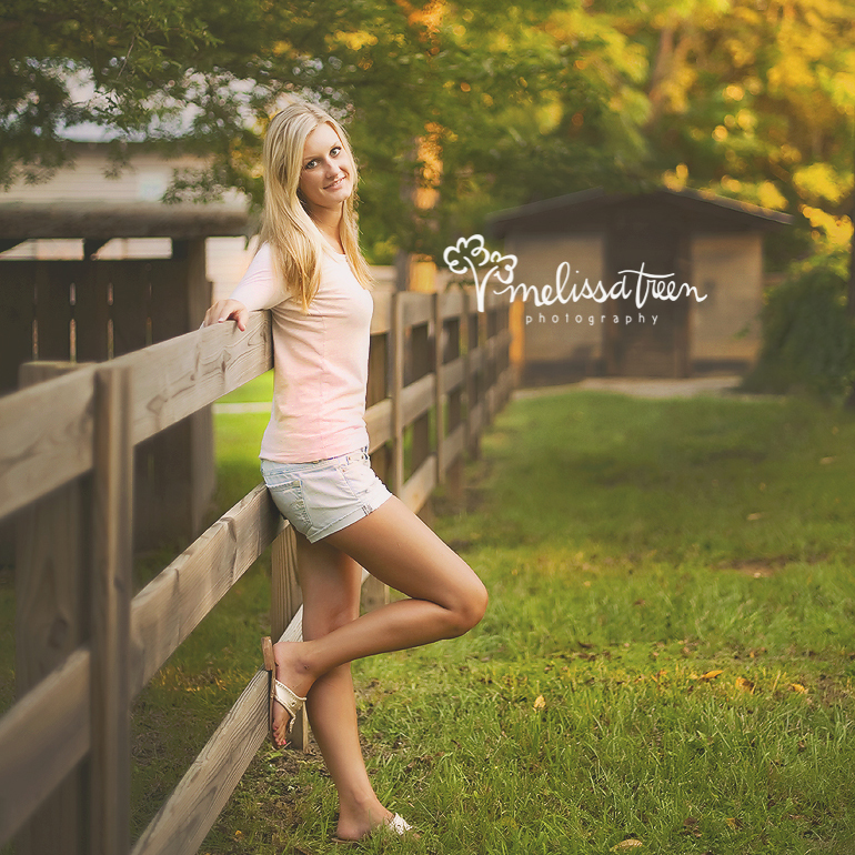 ig country senior portrait phtogorpahy rustic modern farm barn senior pictures melissa treen photography  772.jpg