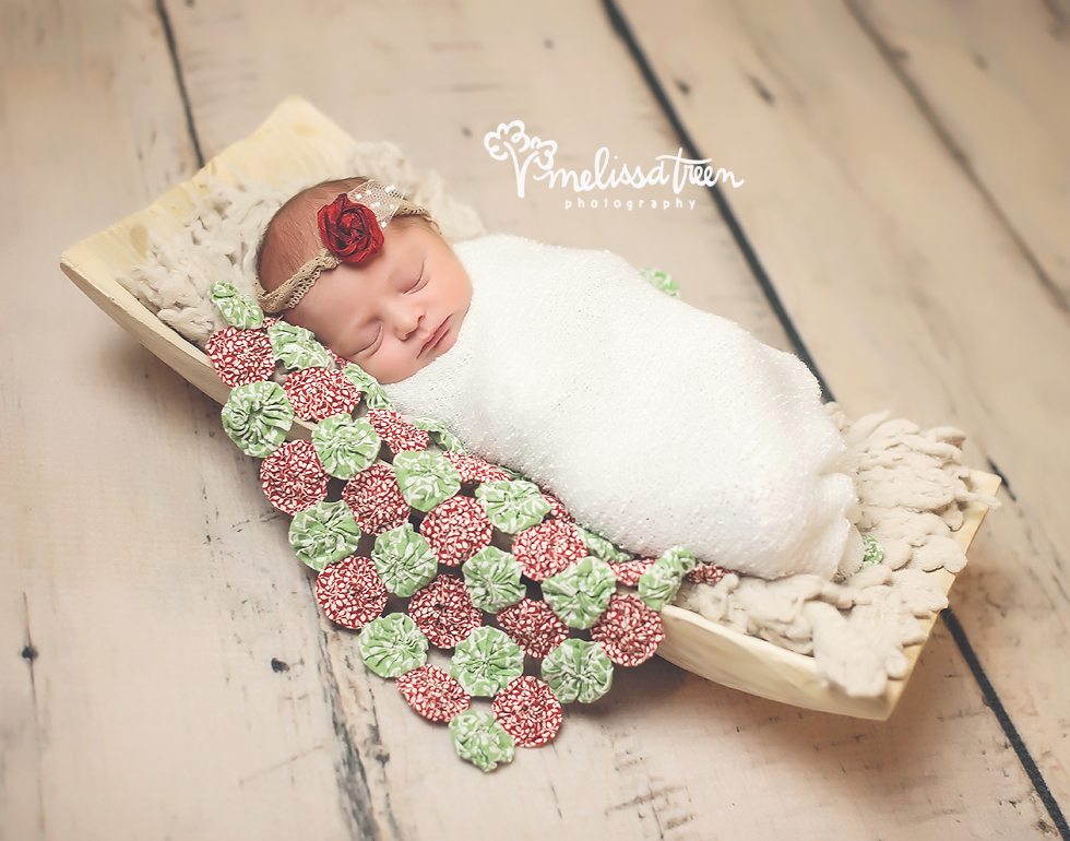 christmas-newborn-photos-greensboro-burlington-chapel hill-photographer.jpg
