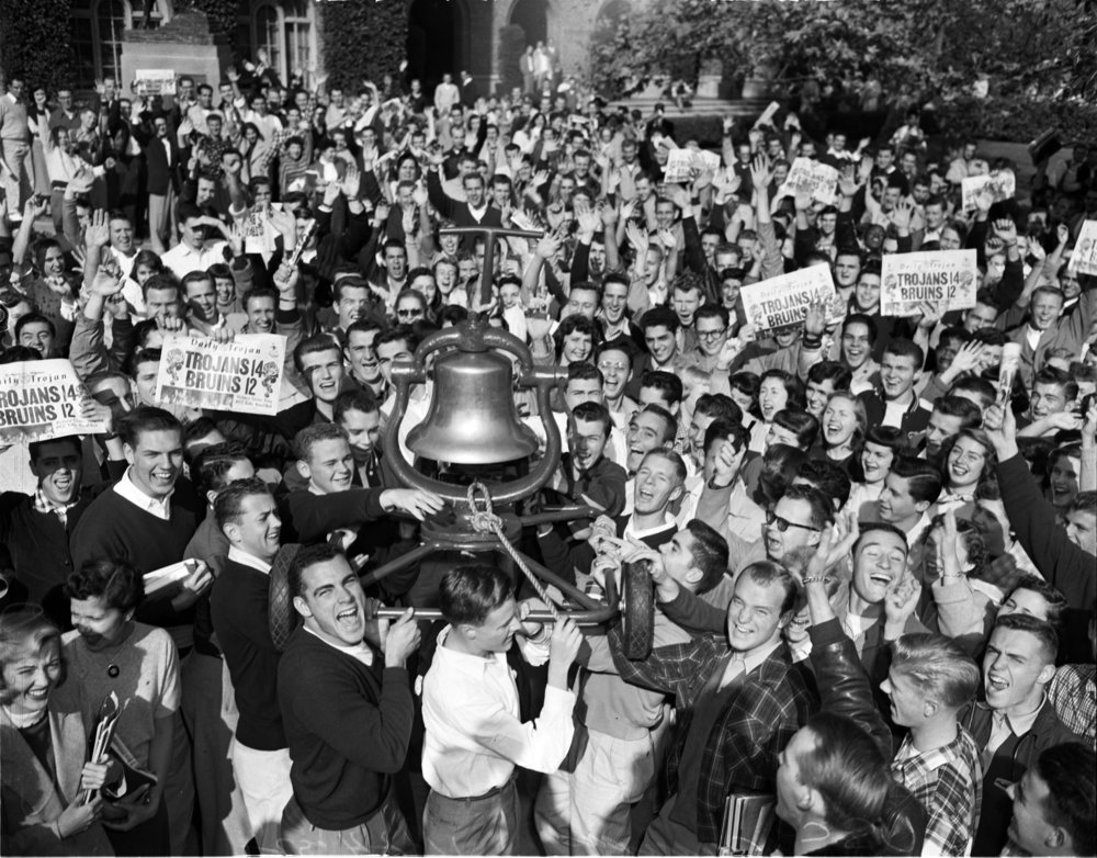 Return of Victory Bell 1952 November 24 p1.jpg