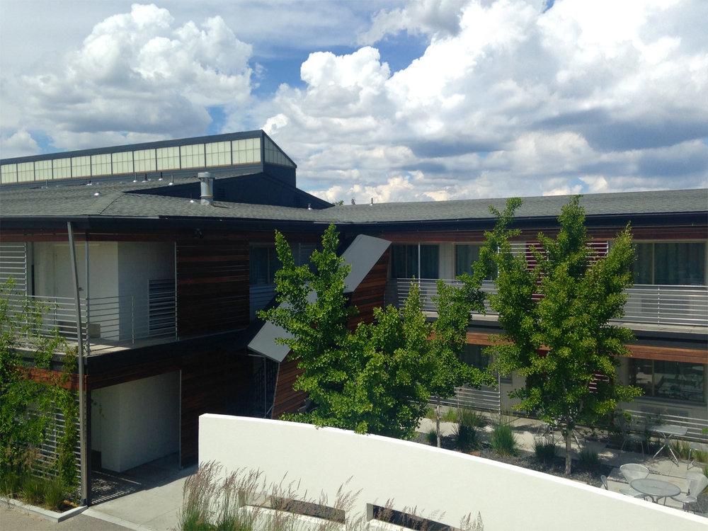 CTY-Studio-Modern-Hotel-courtyard6.jpg