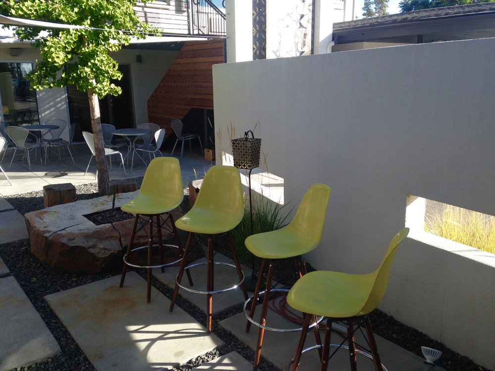 CTY-Studio-Modern-Hotel-courtyard5.jpg