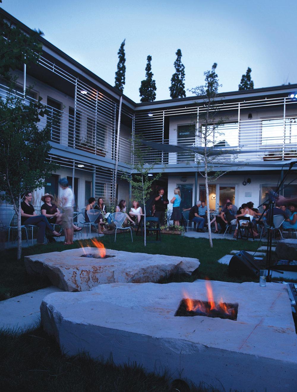 CTY-Studio-Modern-Hotel-courtyard3.jpg