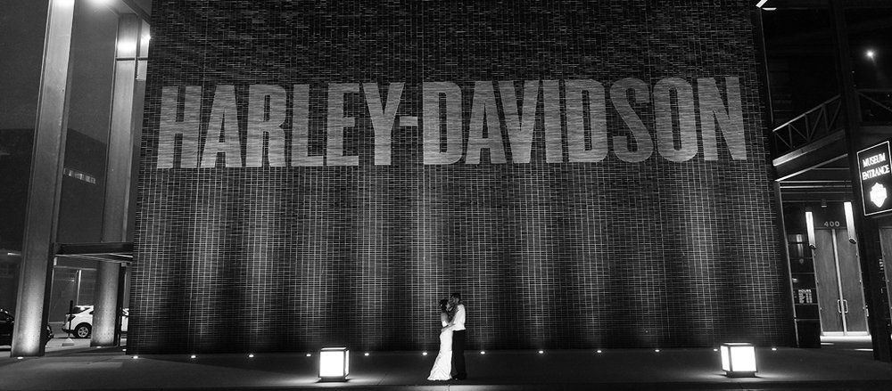 milwaukee wedding photographer_harley davidson museum.jpg