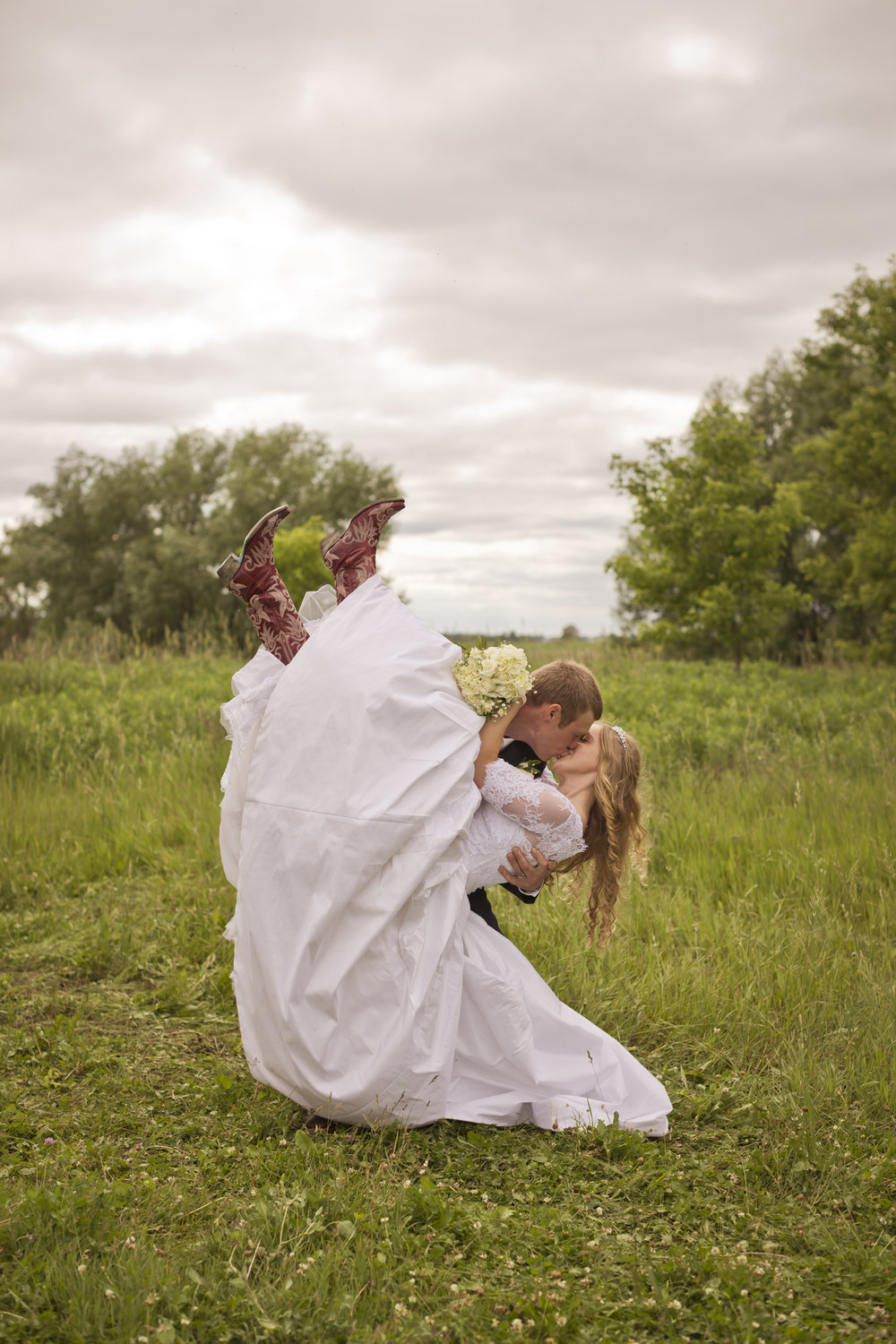 rustic_barn_wedding_photographer_wisconsin_milwaukee02.jpg