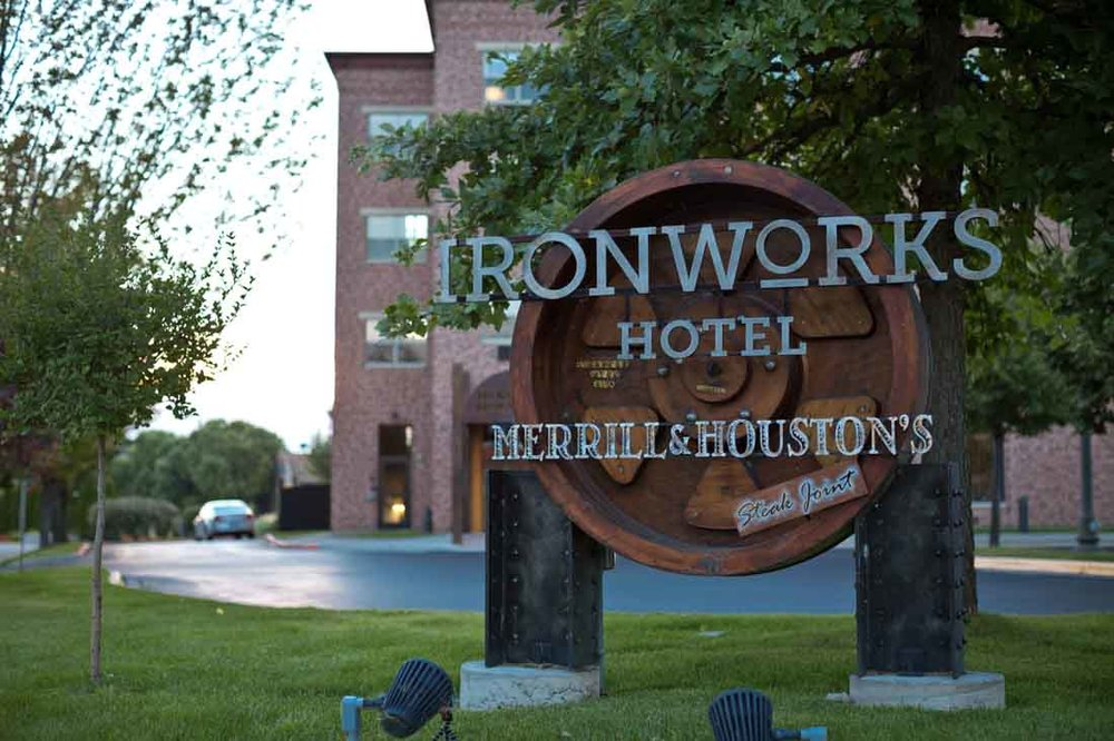 Ironworks Hotel Merrill Houstons Steakjoint Peer Canvas | 052LR.jpg