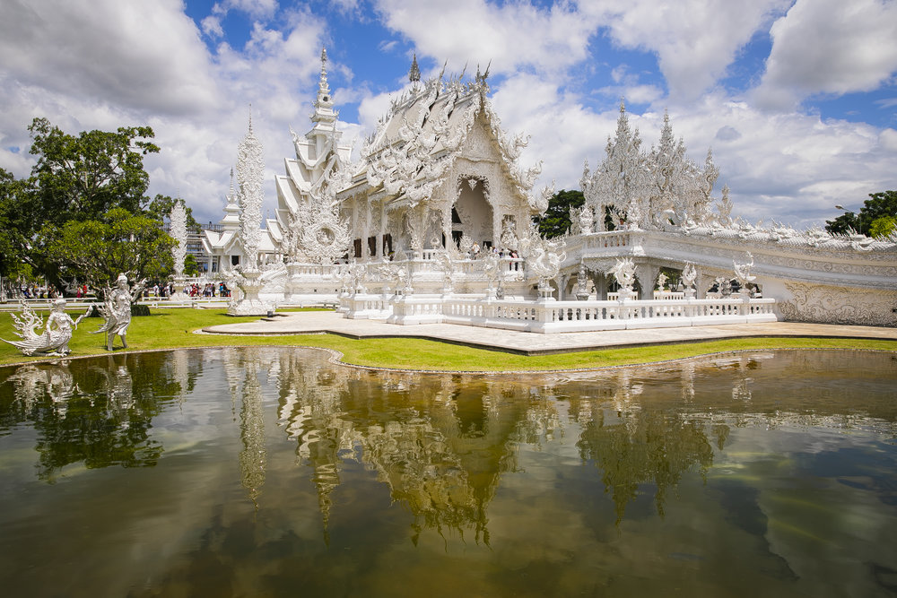 To enter the White Temple, you have to cross a bridge with dead hands reaching up toward you. There are also skulls of all your favorite characters hanging in the trees (Lord of the Rings, Star Wars, superheroes…)
