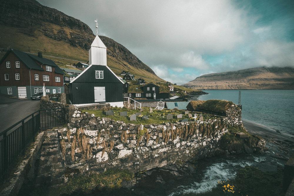 bøur church
