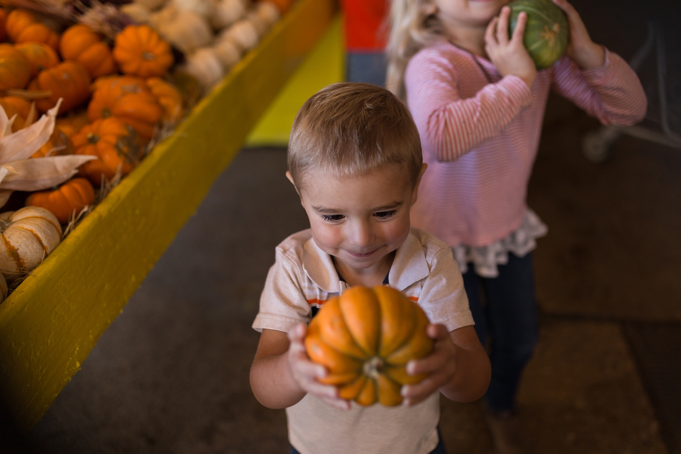 college station family photographer fall pumpkin farm patch