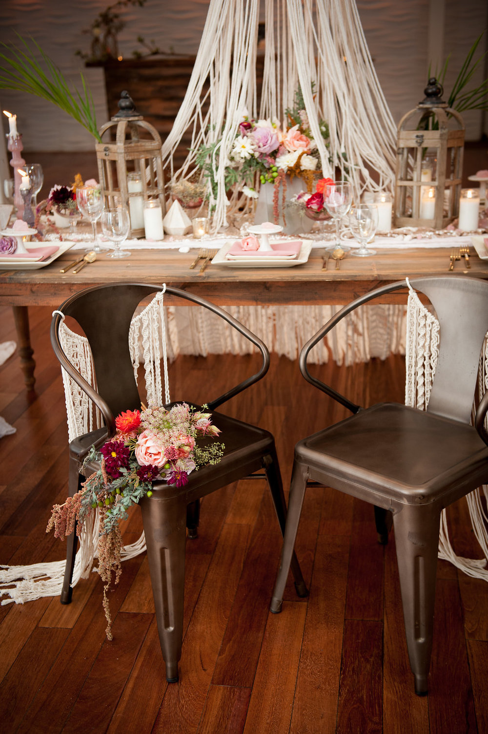 ARCHES, TABLES & CHAIRS - ARTFULLY ACCENTUATE YOUR EVENT FROM THE GROUND UP.