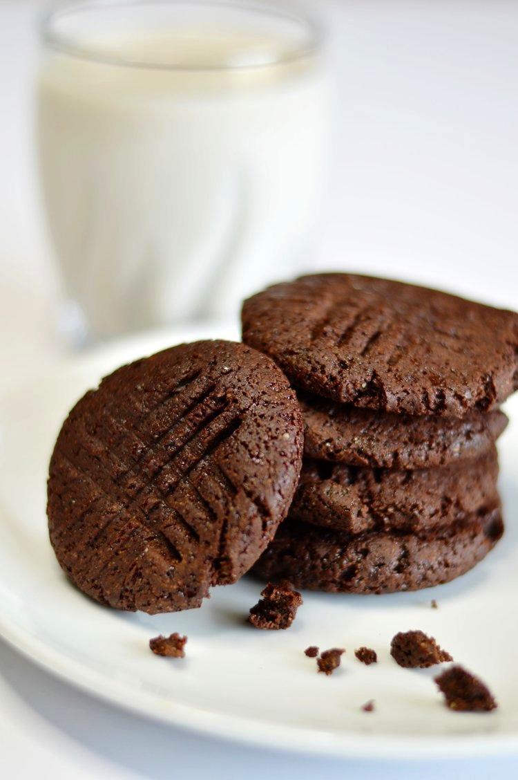 Almond+Chocolate+Cookie
