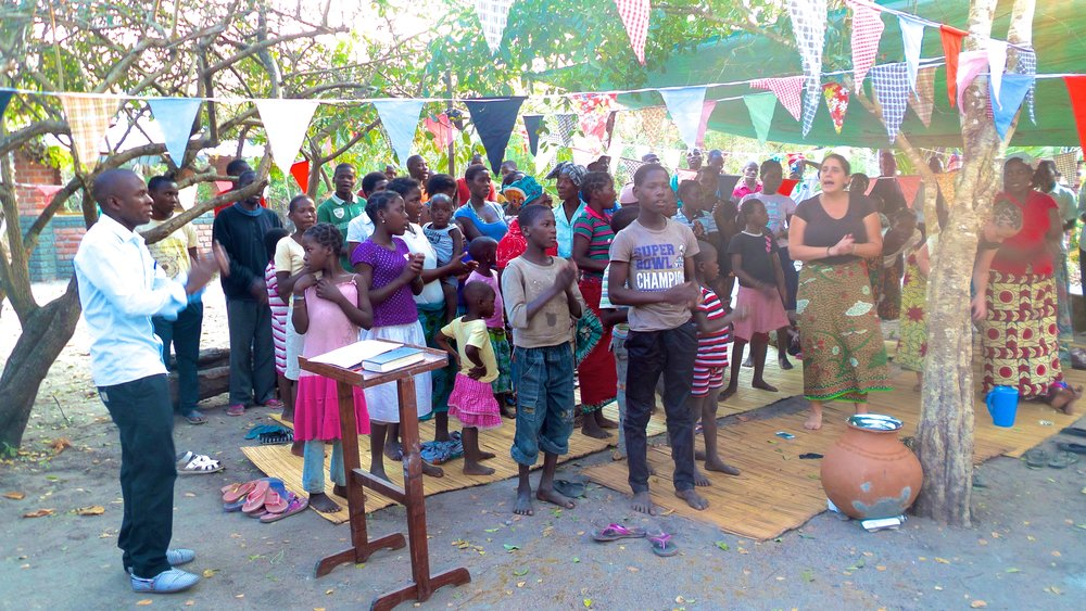Praise and worship at Nensa
