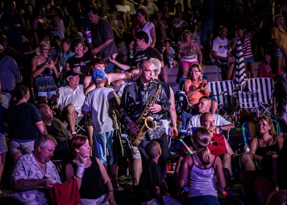 Jay crowd.jpg