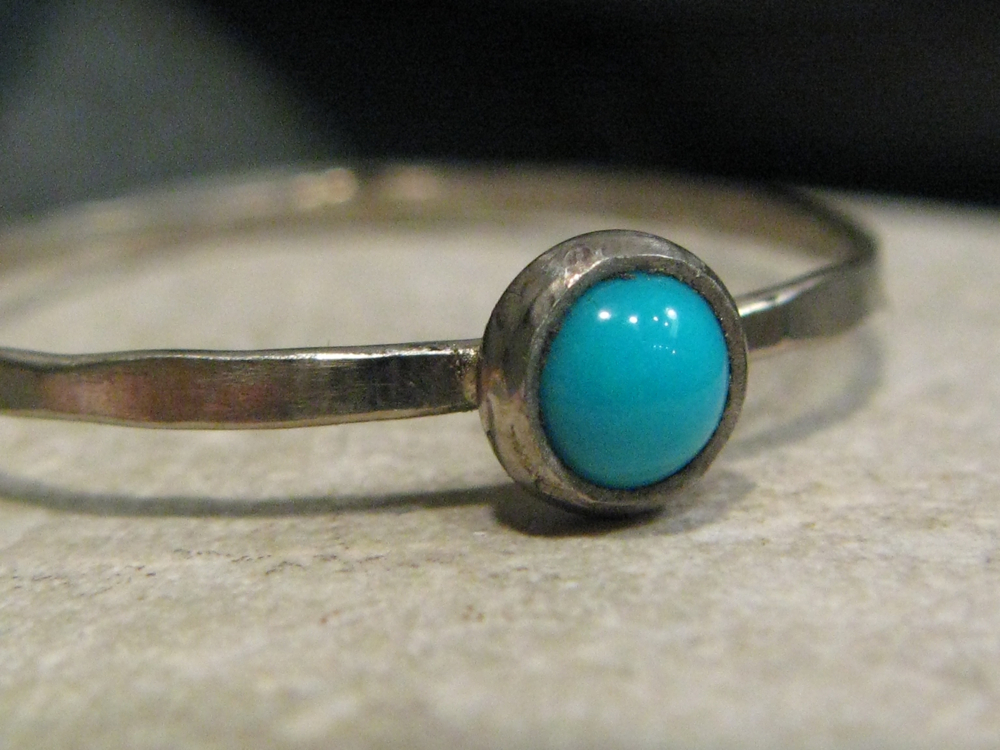 14k white gold, sleeping beauty turquoise hammered stacking ring