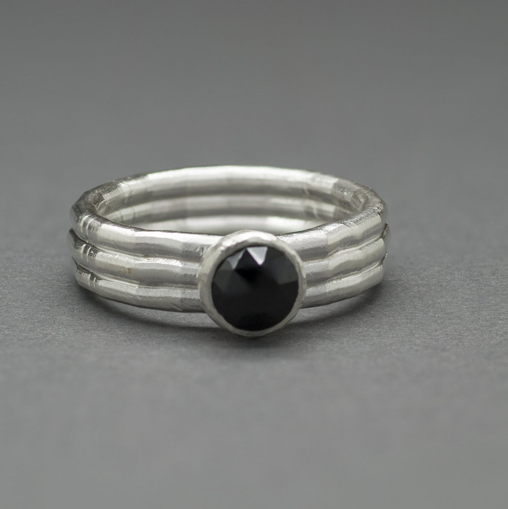 black spinel triple band FS.jpg
