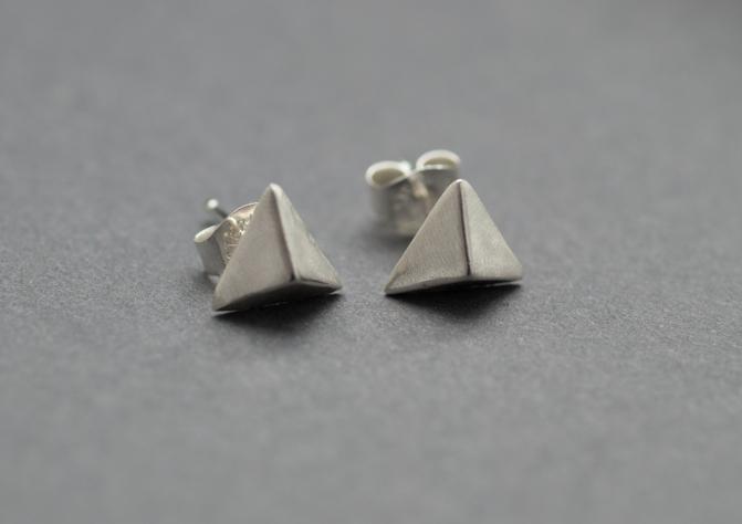 pyramid studs.JPG