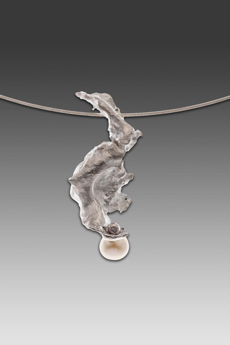 Ocean Pearl Pendant. Sterling Silver & Cultured Freshwater Pearl.