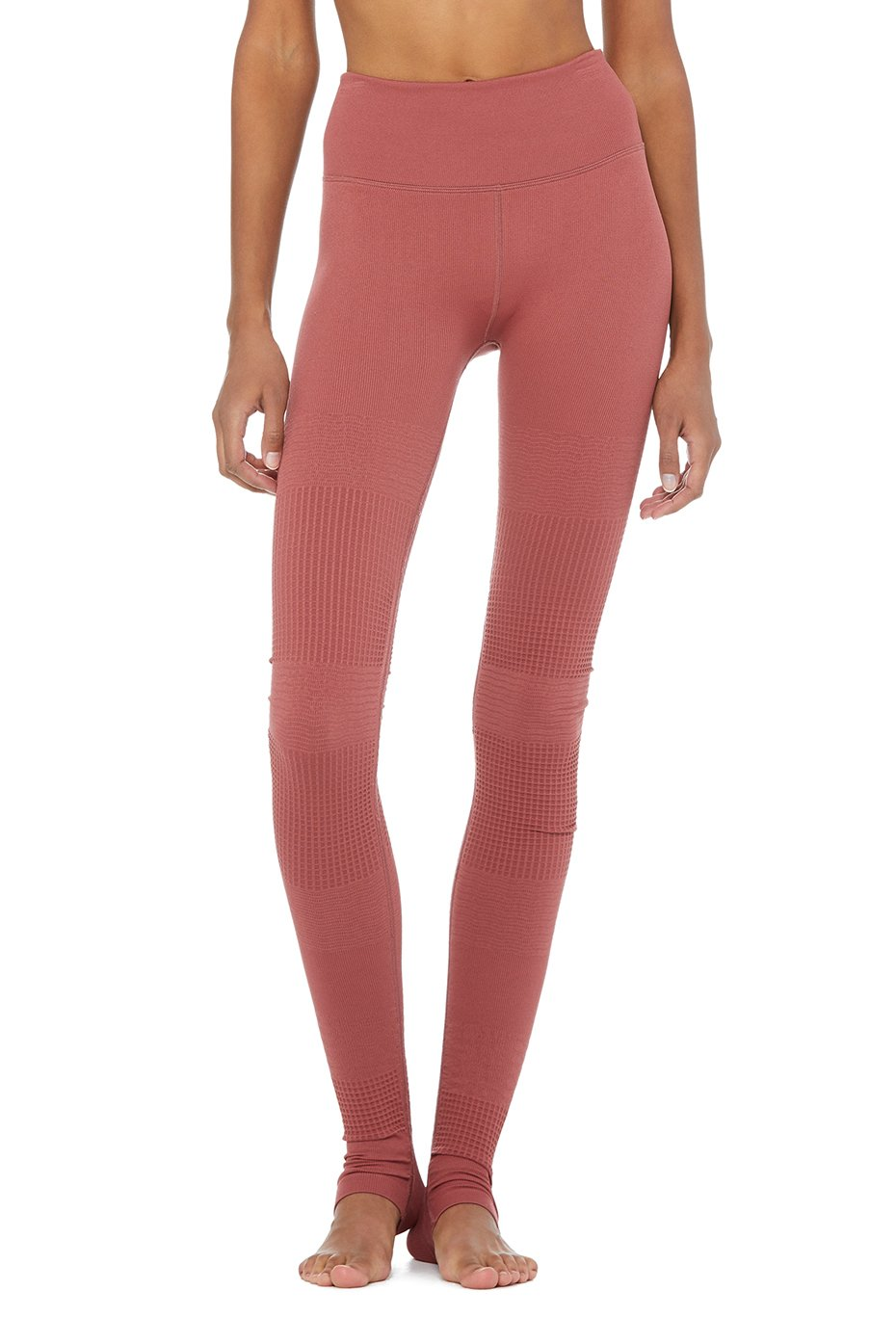I'm absolutely in love with this color and haven't ever tried this type of Alo's legging before, so I'm excited to see how they are!