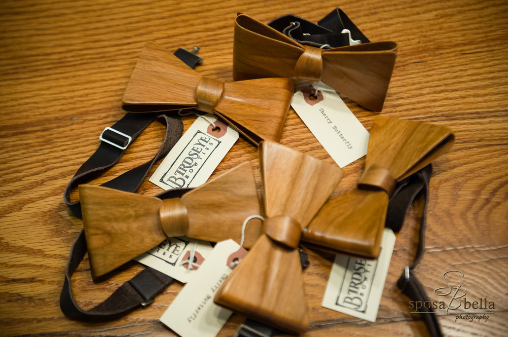 The Groom made these amazing wood bowties himself! Check out his Etsy shop  here .
