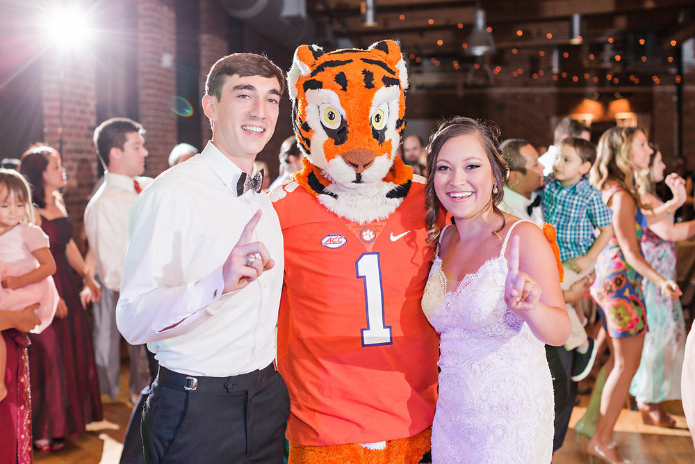 From the 2016 National Champion Clemson Tigers, there he is, THE TIGER!!!