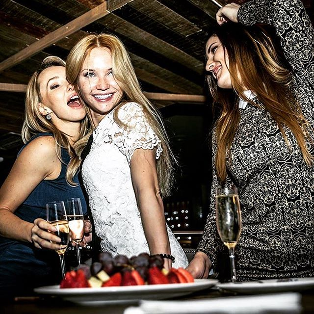 🥂Doing Vegas their way... #WhoRunTheWorld #ChampagneBreakfast