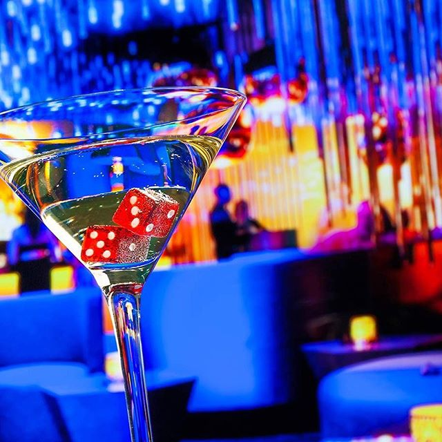 It's Friday night in Las Vegas, time to get lucky 🍸