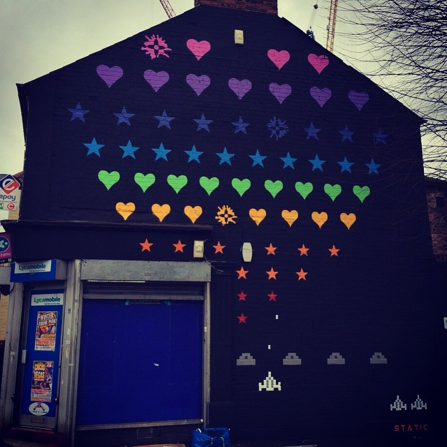"Big wall from @welikestatic on Fulbourne Road E17 - ""game on"" for #woodstreetwalls - #streetart #e17 #walthamstow #art #streetarttour"