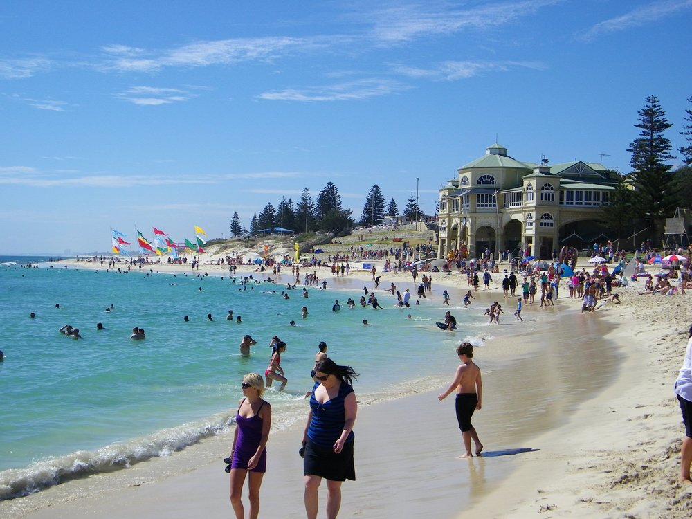 Cottesloe_Beach,_Perth,_Western_Australia_(4431664542).jpg
