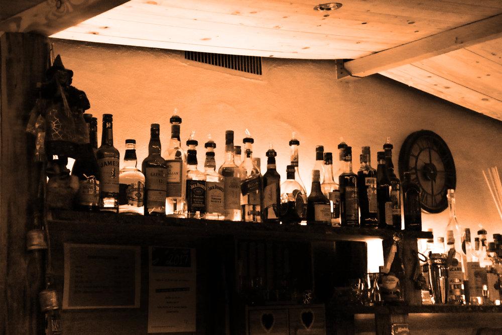 Bar Flaschen.jpg