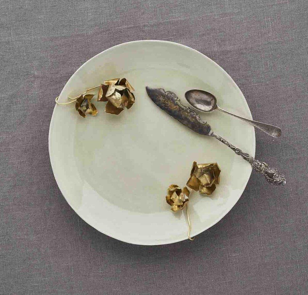 plate_withknifeandfork.jpg