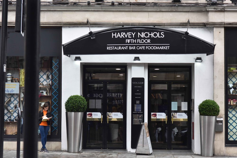 Harvey Nichols, Knightsbridge, London, U.K. Image©thingstodot.com