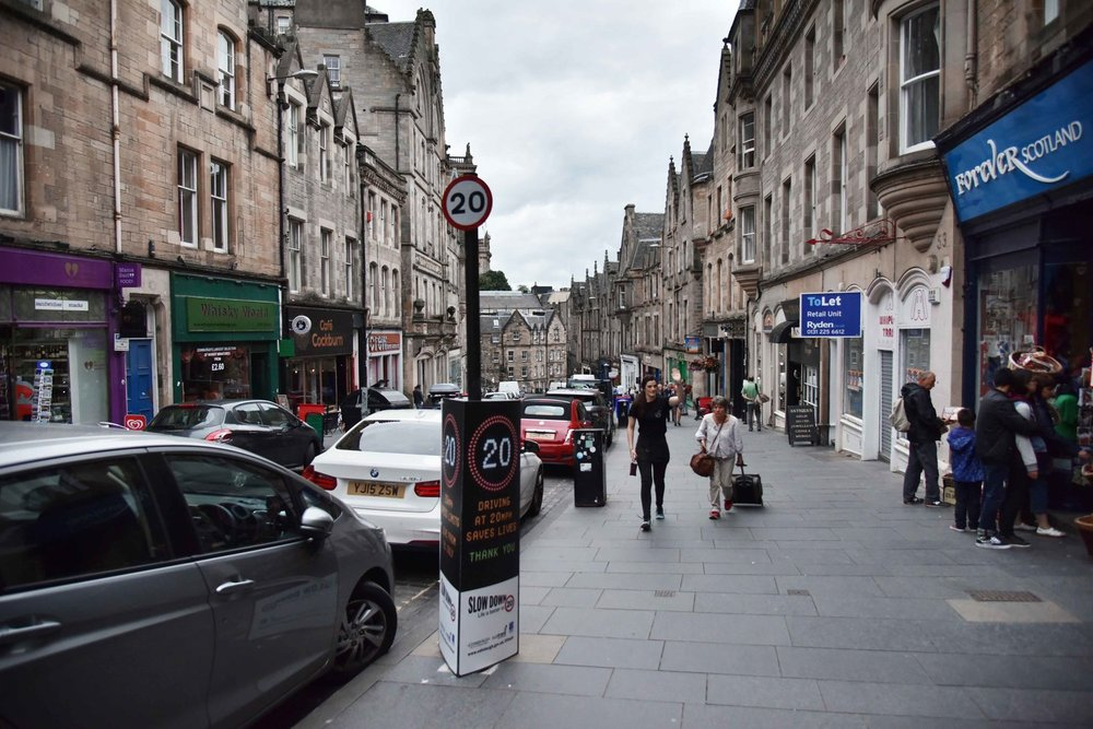 Royal Mile, Old Town, Edinburgh, Scotland. Image©thingstodot.com