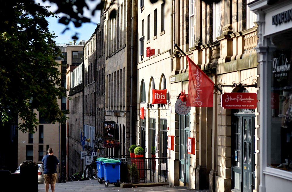 Ibis Edinburgh Centre, Royal Mile, Edinburgh, Scotland. Image©thingstodot.com