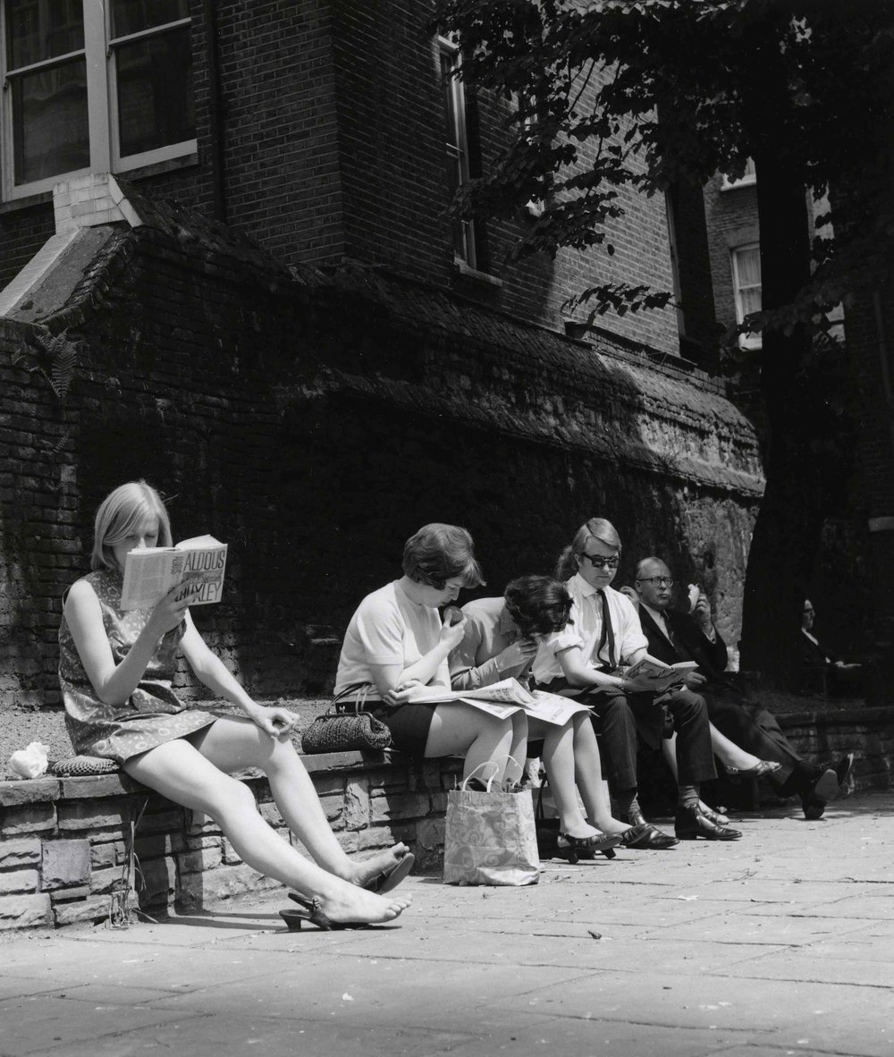 Lunch break in the City of London©Dorothy Bohm