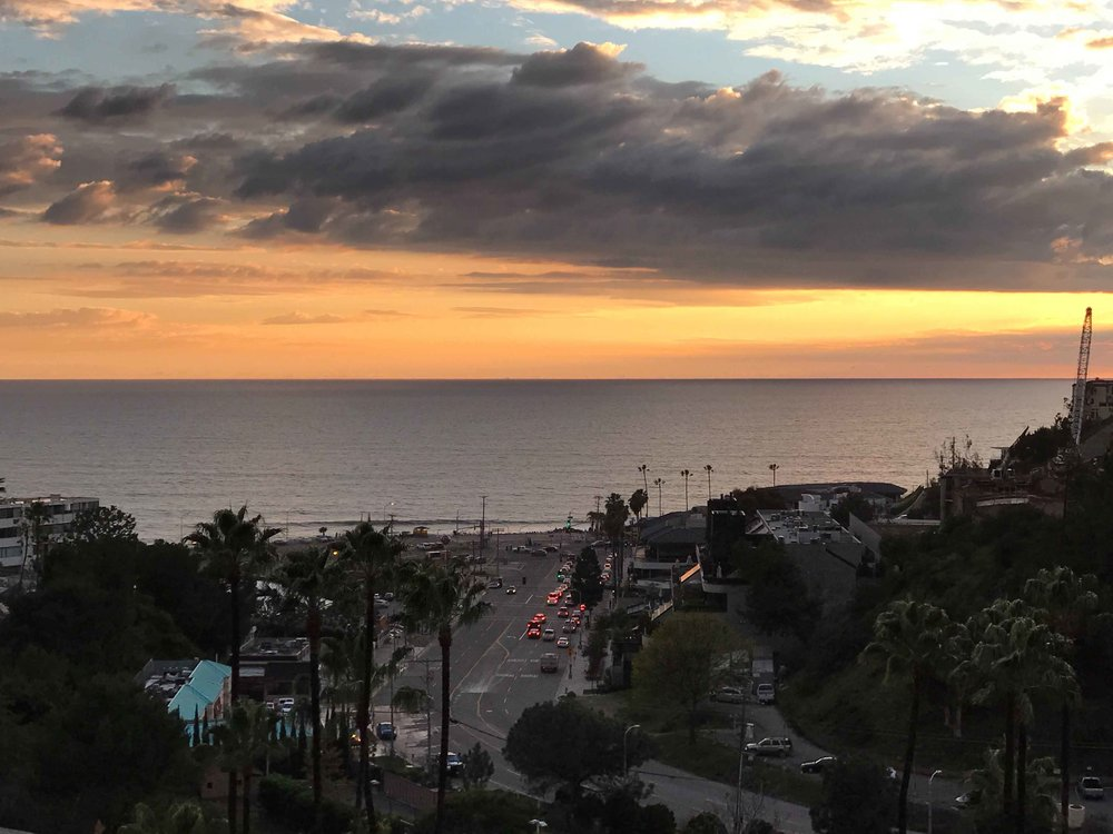Pacific Coast Highway, sunset, Pacific Palisades, CA. Image©thingstodot.com