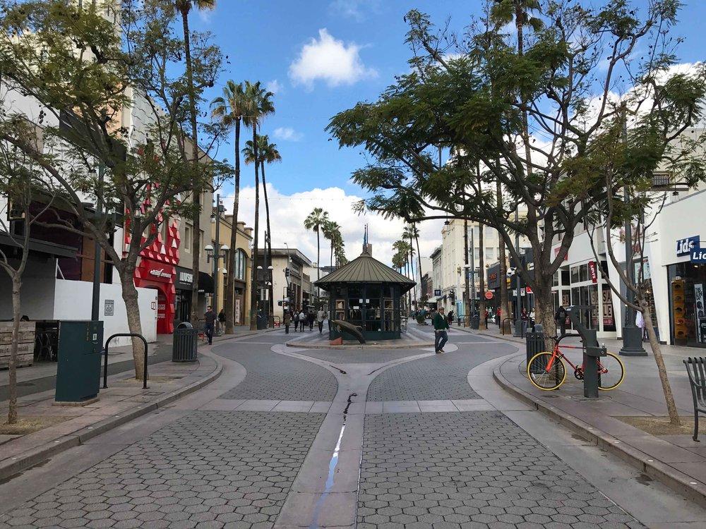 Santa Monica.Old Pasadena. Image©thingstodot.com