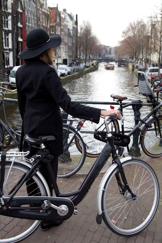 Amsterdam, street style.Photo:Fabio Ricci. Image©thingstodot.com