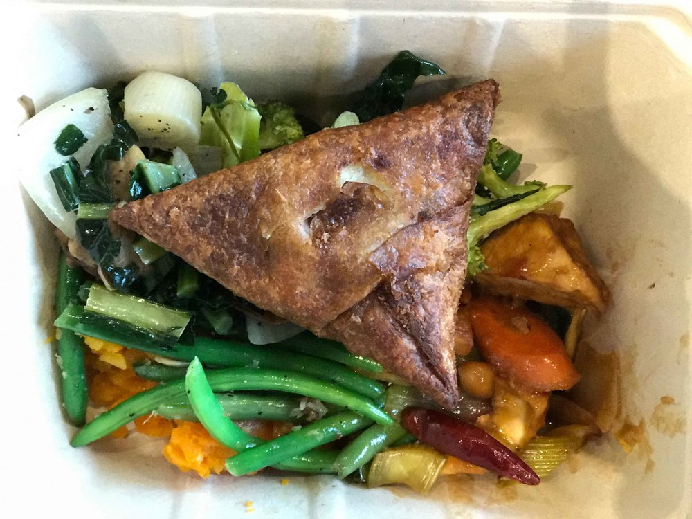 Lunch at Whole Foods, Indian samosa with vegetables. Image©thingstodot.com