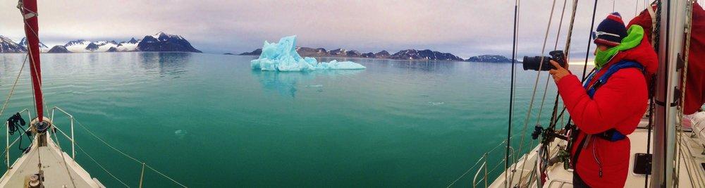 Lyngen boat cruise, Norway. Image©lyngenlodge