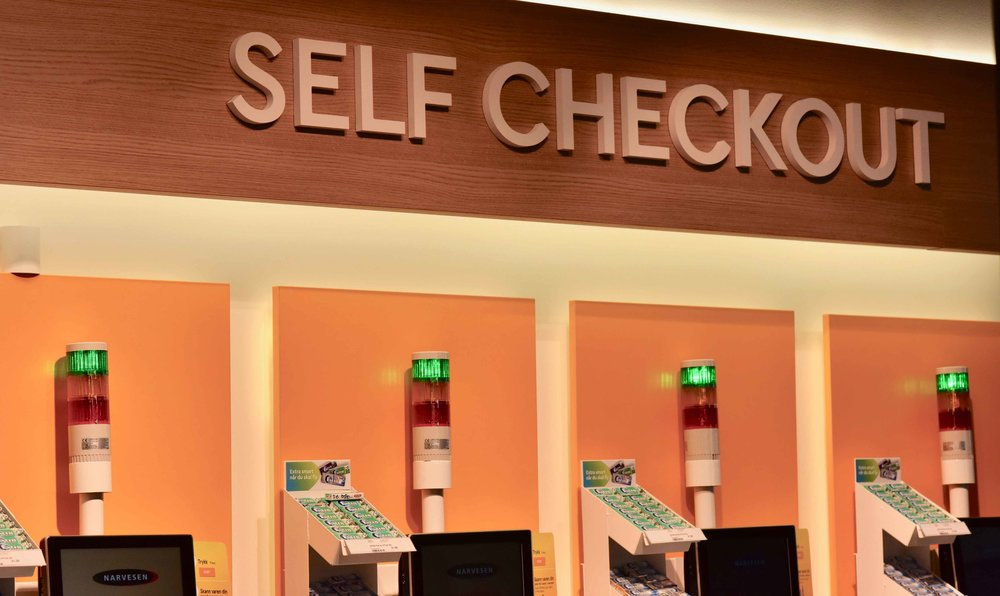 Self Checkout shops, Oslo Gardermoen Airport, Oslo, Norway. Image©thingstodot.com