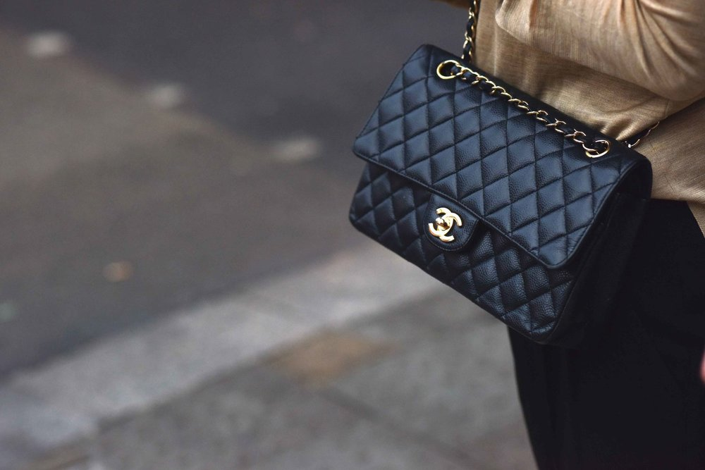 Chanel handbag, London Street Fashion, London, UK. Photo:Gunjan Virk. Image©thingstodot.com