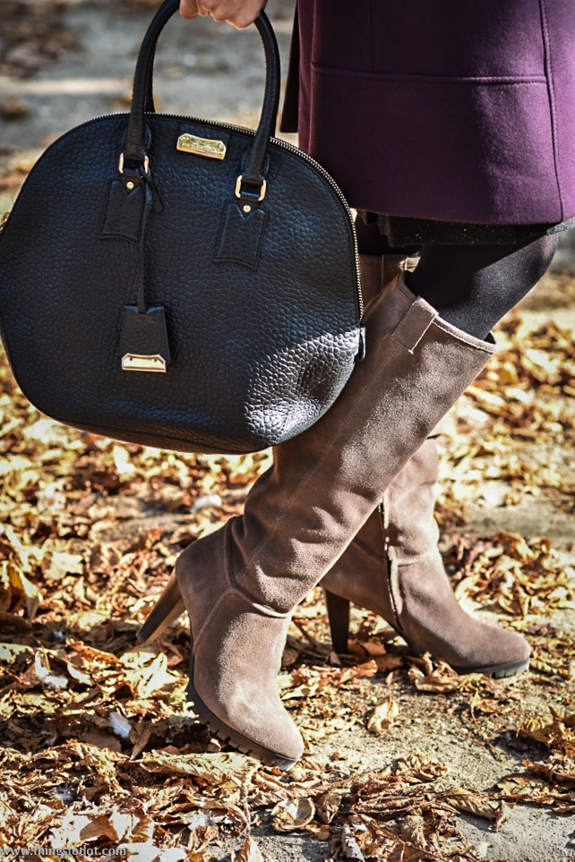 Karen Millen fall/winter coat, Karen Millen suede boots, Burberry bag, Jardin des Tuileries, Paris, France. Photo: Nina Shaw. Image©www.thingstodot.com.