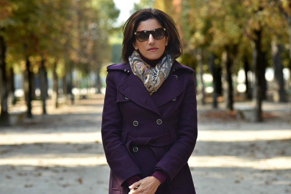 Karen Millen fall/winter coat, Jardin des Tuileries, Paris, France. Photo: Nina Shaw. Image©www.thingstodot.com.