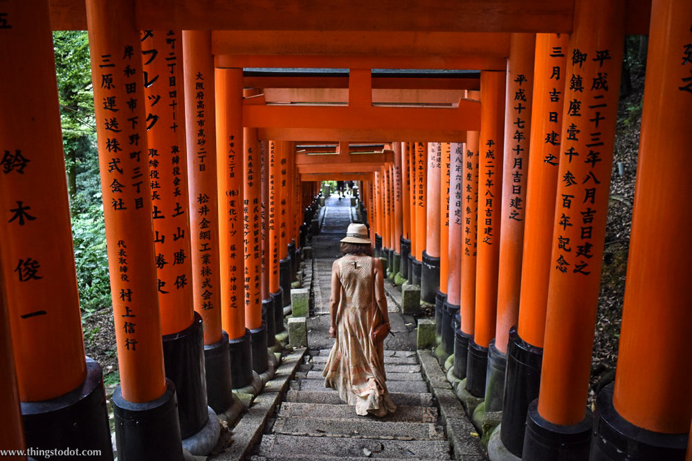 Ritu Kumar dress at Fushimi Inari Shrine. Image©www.thingstodot.com