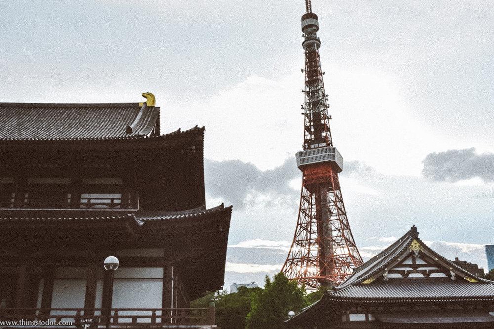 Tokyo Tower,Zozo-ji temple, Daimon, Tokyo. Image©www.thingstodot.com.