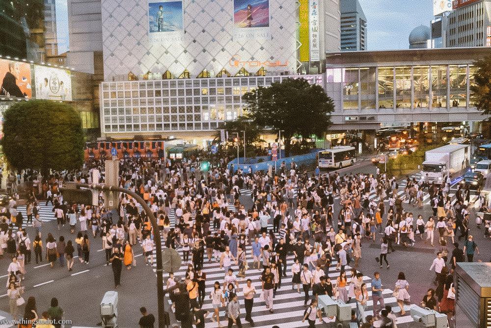 Shibuya Crossing, Shibuya, Tokyo, Japan. Image©www.thingstodot.com.