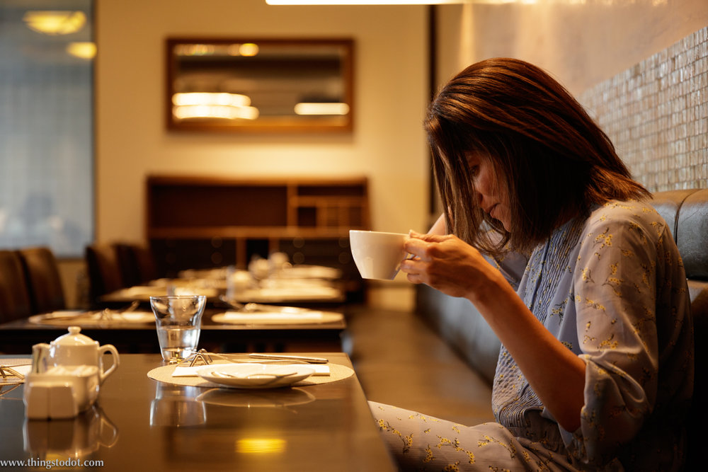 Cafe Couvert, Imperial Hotel, Osaka, Japan. Photo: Kosuke Arakawa. Image©www.thingstodot.com.