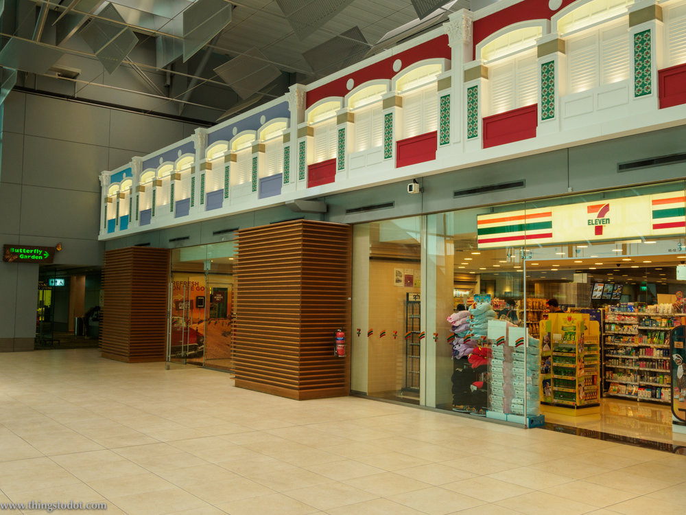 Seven Eleven, Singapore Changi Airport, Singapore. Image©thingstodot.com