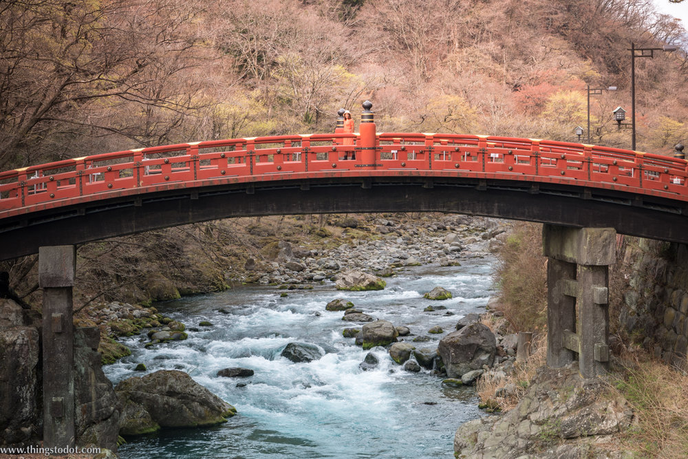 Shinkyo Bridge, Nikko, Japan. Image©www.thingstodot.com. Photo: Yuga Kurita.